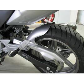 Garde boue arrière Honda 500 CBF avec carter de chaîne vue gauche